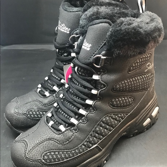 Skechers Women's D'Lites Winter Boot Boots Clothing, Shoes & Accessories